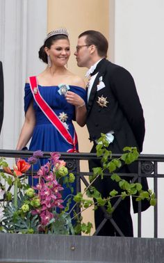 Crown Princess Victoria of Sweden and Prince Daniel of Sweden arrive to attend the Royal Wedding of Prince William to Catherine Middleton at Westminster Abbey on April 2011 in London, England. Princesa Victoria, Princesa Diana, Princess Victoria Of Sweden, Crown Princess Victoria, Prince And Princess, Princess Kate, Elie Saab Gowns, Royal Families Of Europe, Swedish Royalty