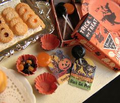Tiny Halloween treats by goddess of chocolate, via Flickr