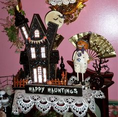 DEBBIE-DABBLE BLOG: A Tale of 2 Halloween Hauned Houses in the Dining Room