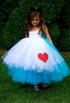Alice in Wonderland Tutu Dress Preorder (Girls Halloween Dresses & Boys Outfits). Alice in Wonderland Tutu Dress. Costume Halloween, Costume Alice, Happy Halloween, Alice Halloween, Halloween Clothes, Holloween Costumes For Kids, Diy Kids Costumes, Alice Cosplay, Halloween Parade
