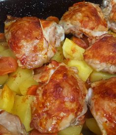 🐤 #chicken Meat Chickens, Oven Baked, Carrots, Chicken Recipes, Potatoes, Homemade, Ethnic Recipes, Sweet, Kitchen
