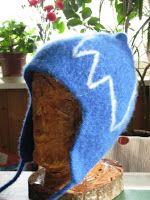 STUBBETUFSA: Oppskrift på øreklafflue Diy And Crafts, Winter Hats, Wool Hats, Inspiration, Scarfs, Felting, Gloves, Socks, Threading