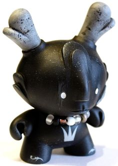 'Happy Dream Man Evolved - Noir' by Squink for ToyCon UK. #dunny