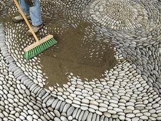 Trittsteine Bauhaus kieselstein mosaik im garten legen für hübsche wege terrassen
