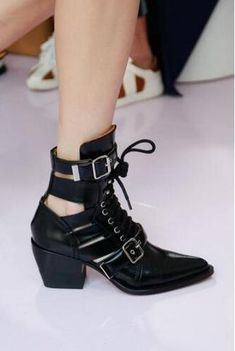 fe7b35c450ae Cross-tied Buck Belt Square Toe Women Ankle Boots Genuine Leather Print  Flower Chelsea Boots Hollow Out Runway Female Boots 2018