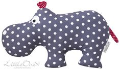 "Kuscheltiere - the hippo ""HUGO"" - ein Designerstück von LittleOne-by-Rachel-McC. Baby Sewing Projects, Sewing For Kids, Sewing Crafts, Pet Toys, Baby Toys, Baby Baby, Kids Toys, Comida De Halloween Ideas, Diy Bebe"