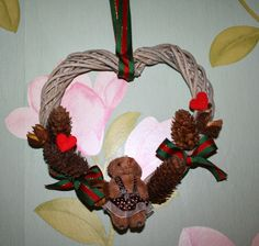 valentine wreath Christmas Crafts, Christmas Ornaments, Valentine Wreath, Wreaths, Holiday Decor, Door Wreaths, Christmas Jewelry, Deco Mesh Wreaths, Christmas Decorations