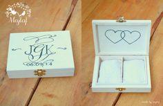 Wedding ring box with monograms:)) Pudełko na obrączki z malowanymi monogramami:) For more https://www.facebook.com/MAJLAF.DIY