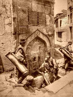 Water bearers Saliha Sultan Fountain in Azapkapi, İstanbul. (between 1890 - Photo: Sebah and Joaillier Pictures Of Turkeys, Old Pictures, Old Photos, Historical Art, Historical Pictures, Middle East Culture, Parrot Wallpaper, Egyptian Movies, Ottoman Turks