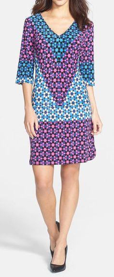 Donna Morgan   V-Neck Print Shift Dress
