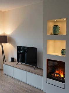 TV / Haardmeubel Gala - Jasper Badoux - Hints for Women Small Condo Living, Living Room Modern, Home Living Room, Home Fireplace, Living Room With Fireplace, Interior Design Living Room, Living Room Designs, Contemporary Fireplace Designs, Condo Decorating