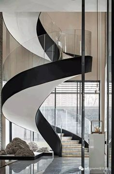 Spiral staircase with black outline Staircase Architecture, Luxury Staircase, Staircase Railings, Grand Staircase, Spiral Staircase, Stairways, Modern Architecture, Floating Staircase, Spiral Stairs Design