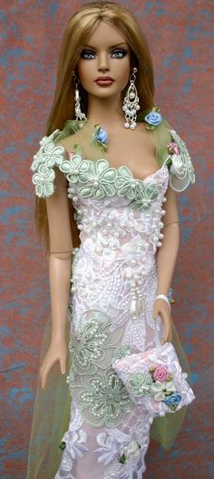 Gorgeous Tonner Doll, I think!