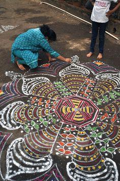 making a mandala in Southern India