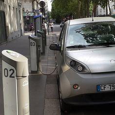 by falpap Vehicule électrique Autolib en libre service payant. #Paris
