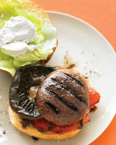 "See the ""Balsamic Portobello Burgers with Bell Pepper and Goat Cheese"" in our Easy Grilling Recipes from Everyday Food gallery Grilled Portobello, Barbecue Recipes, Burger Recipes, Grilling Recipes, Vegetarian Recipes, Vegetarian Grilling, Vegetarian Sandwiches, Gastronomia, Mushrooms"