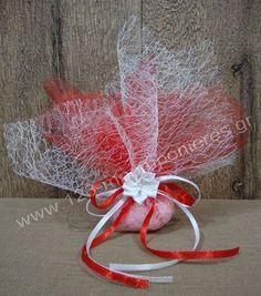 IMAGINE – ΜΠΟΜΠΟΝΙΕΡΕΣ ΓΑΜΟΥ ΛΟΥΛΟΥΔΙ – ΚΩΔ: BO527088-1Μπομπονιέρες γάμου υφασμάτινο λουλούδι με μια οργαντίνα συννεφάκι... Wedding Favours, Wedding Ideas, Elsa, Burlap, Reusable Tote Bags, My Style, Tulle, Diy Candles, Lavender Bags