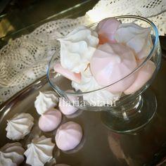 Meringhe 😋 #instafood #ilas #ilassweetness #meringhe #meringue #wedding #matrimonio #confettata #sweettable  www.ilas.webnode.it www.facebook.com/ilascake