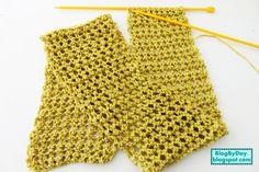 Todo mundo teima que é crochê, mas é tricô!!!        Este cachecol é o típico trabalho fácil, bom para iniciantes que você faz rápido, ...