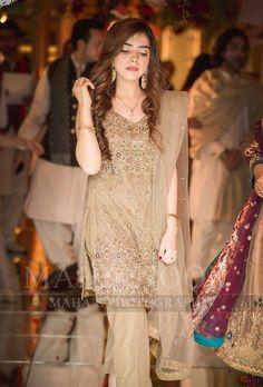 Walima Dress, Shadi Dresses, Pakistani Formal Dresses, Pakistani Dress Design, Asian Bridal Dresses, Wedding Dresses For Girls, Bridal Outfits, Indian Dresses, Pakistani Fashion Party Wear