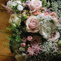 Image by @clairefleck | Flowers by @roseandberryflowers