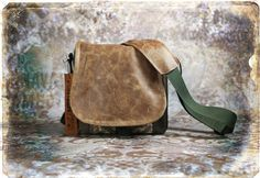 Small Tapestry and Leather DSLR Camera by PorteenGear