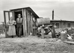 size: Art Print: Basement Home Poster by Dorothea Lange : Entertainment Shorpy Historical Photos, Historical Pictures, Vintage Pictures, Old Pictures, Time Pictures, Photos Du, Old Photos, Dust Bowl, Into The West