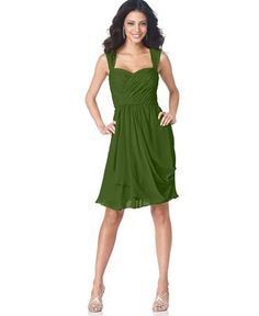 Awesome green flowing dress. I love this for the wedding!
