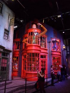 Harry Potter / Warner Bros Studio Tour. I can't even express just how badly I want to go to England to take this tour.