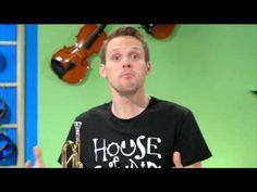 How do brass instruments make a sound