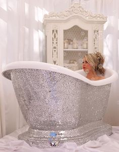 One of these too Opulent luxury slipper bathtub.the height of decadent relax… Dream Bathrooms, Beautiful Bathrooms, Bling Bathroom, Glitter Bathroom, Bathroom Goals, Bathroom Ideas, Bling Bling, Relax, Luxury Life