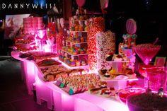 Wedding candy bar - creative wedding ideas by nj wedding planner siz degrees of celebration Dessert Buffet Table, A Table, Candy Buffet Tables, Buffet Ideas, Party Buffet, Bar Mitsva, Pink Candy Buffet, Bar A Bonbon, Candy Bar Wedding