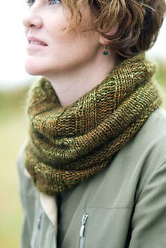 Our friend Annabella Serra rarely knits from a pattern. She just takes off and makes it up as she goes! We love this cowl she created — with its lavish length and unexpected switch from rib to stockinette — and she was kind enough to share it with us. Knit in a sublimely soft pairing of Alchemy hand-dyed yarns, it'll be the most versatile piece you own. http://www.appleyarns.com/collections/all/products/annabella-s-cowl