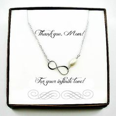 This delicate infinity bracelet is a great gift for your mom. Express your love and gratitude with it!! Made with sterling silver and freshwater pearl.  #giftformom #mothersdaygift