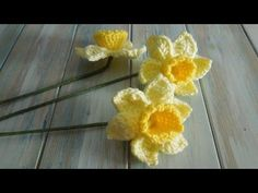 (crochet) How To Crochet a Daffodil - Yarn Scrap Friday - YouTube