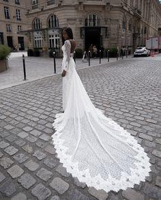 Robe de mariée en dentelle de la créatrice Veronika Jeanvie Paris 2018
