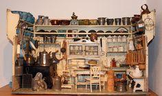 Puppenküche um 1900  mit Aufsatzregal, Möbel von Moritz Gottschalk Dolls House Shop, Mini Doll House, Doll Shop, Doll Houses, Miniature Rooms, Miniature Kitchen, Dollhouse Dolls, Dollhouse Miniatures, Antique Dolls