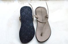 Barefooting! http://www.camminaleggero.com/catalogo/donna/sandalo-infradito-spago