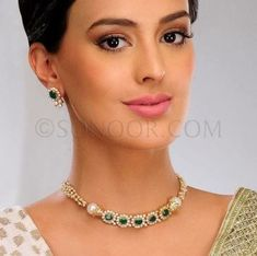 ideas for jewerly diamond necklace simple bijoux - Halskette Ideen Emerald Jewelry, Pearl Jewelry, Diamond Jewelry, India Jewelry, Diamond Choker, Diamond Necklace Simple, Gold Jewelry Simple, Nice Jewelry, Layered Necklace