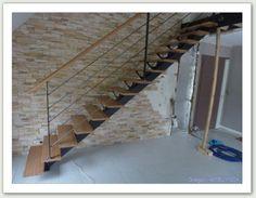 Escalier droit à limon central -  ferronnerie AG METAL 35