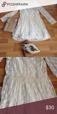 Lace off White dress Zara Lace Zara dress perfect condition I am only wore it once Zara Dresses Midi