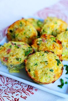 mini ham and cheese quinoa cups - 47 calories per cup - very yummy! good snack for kids too, protein! I've been looking for quinoa recipes Fast Healthy Breakfast, Breakfast And Brunch, Healthy Snacks, Breakfast Recipes, Healthy Eating, Healthy Recipes, Quinoa Breakfast, Healthy Breakfasts, Breakfast Muffins