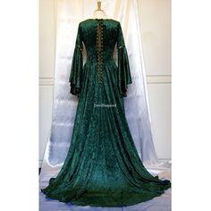 celtic gothic clothing | ... Medieval Clothing > Medieval Dresses > Green Velvet Medieval Gothic