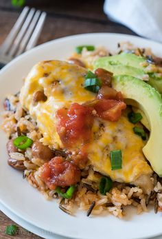 No rice for KETO! My family went nuts for this Salsa Chicken Rice Skillet! Fresh organic ingredients and a complete meal that was ready in less than 30 minutes! Diner Recipes, Mexican Food Recipes, Cooking Recipes, Healthy Recipes, Skillet Recipes, Mexican Entrees, Mexican Cooking, Supper Recipes, Top Recipes