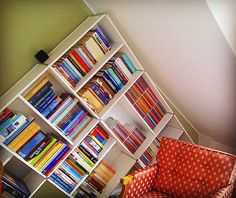Another Pyramid bookcase picture sent by our customer in #luxembourg full of #books. . . . . . . see more http://www.piarotto.com/en/galleria/ #bookworm #bookcase #shelving #interiordesign #etagere #bücherregal #homeoffice #bookshelf #madeinitaly #interiordesign #furnituredesign #decor #madeinvenice #livingroom #onlinefurniture #onlinestore #iphoneography