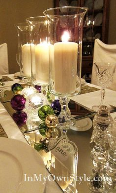 Love the mirrors and candles =Creative Christmas Table Settings ! Christmas Table Settings, Christmas Tablescapes, Christmas Table Decorations, Holiday Tablescape, Fruit Decorations, Christmas Candles, Christmas Holidays, Christmas Crafts, Christmas Place