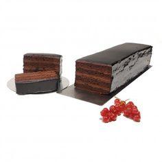 Bizcocho Gallego de Chocolate. Impresionante brazo de chocolate deal para una merienda o fiesta de cumpleaños! Exquisito si acompañado con un té.