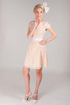 http://tallinndolls.com/shop/kleit-pitsiprintsess-2/