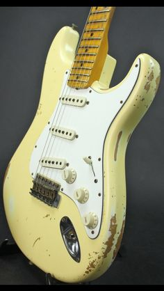 1969 Fender Stratocaster in vintage white? Yes please!!!! The '50s and '60s had something going incredibly right when it came to guitars. Well, when it came to craftsmanship, quality, colors, and aesthetic appeal in general! Nothing sounds quite like the old vintage strats!