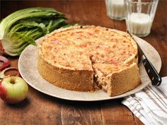 Omenainen kinkkupiirakka Savoury Baking, Tasty, Yummy Food, Joko, Deli, Cheddar, Cheesecake, Dinner, Ethnic Recipes